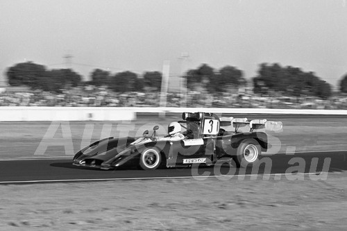 76117 - Jim Phillips, Rennmax Repco - Calder 1976 - Photographer Peter D'Abbs