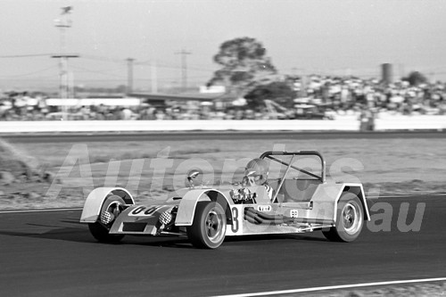 76123 - Peter Jones, Cheetah Clubman - Calder 1976 - Photographer Peter D'Abbs