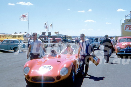 58123 - Doug Whiteford, Maserati 300S - Fishermans Bend 1958 - Photographer Barry Kirkpatrick