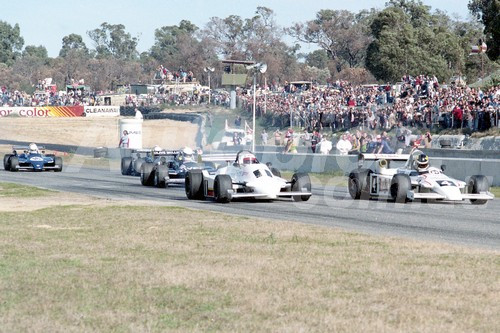 82091 - The Start of the Australian National Formula 1 Championship -  Alf Costanzo & John Bowe - Wanneroo 11th July 1982 - Photographer Tony Burton