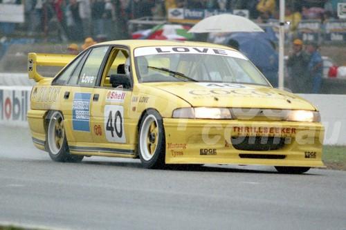 93042 - Ian Love Commodore VP -  Wanneroo 10th July 1993 - Photographer Tony Burton