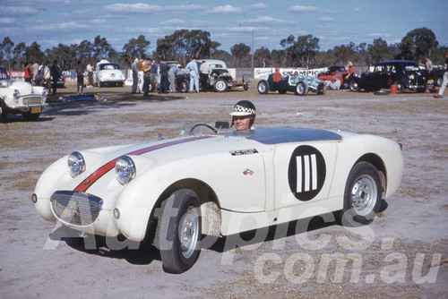 61031 - J. Jordan - Austin Healey Sprite - Castlereagh 1961 - Photographer Peter Wilson