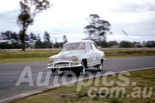 61040 - Bob Rollinghoff - Simca- Warwick Farm 1961 - Photographer Peter Wilson