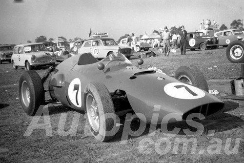 61069 - Arnold Glass, BRM - Warwick Farm 1961 - Paul Manton Collection