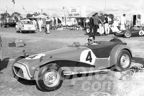 63052 - Bill March, Lotus Super 7 - Bathurst Easter 1963 - Paul Manton Collection