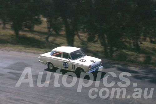 63743 - Alan Caelli / Ern Abbott, Ford Cortina 1500 -  Armstrong 500 Bathurst 1963 - Peter Wilson Collection
