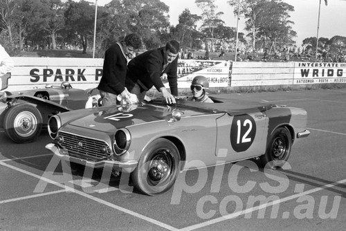 65313 - Noel Riley Honda S600 TVR Grantura - Catalina 1963 - Paul Manton Collection