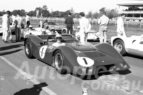 66303 - Frank Matich, Elfin Traco Oldsmobile V8 - Warwick Farm 1966 - Paul Manton Collection