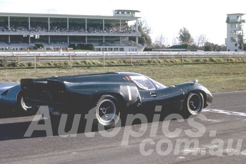 67114 - Paul Hawkins, Lola T70 Warwick Farm 1967 - Peter Wilson Collection