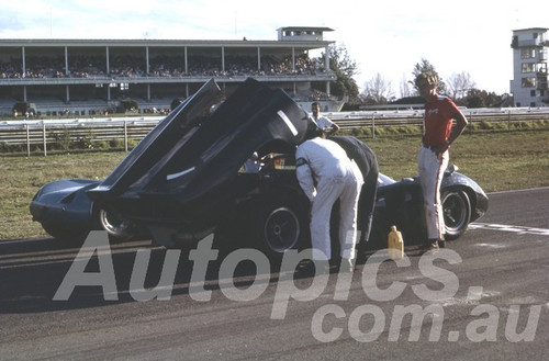 67115 - Paul Hawkins, Lola T70 Warwick Farm 1967 - Peter Wilson Collection
