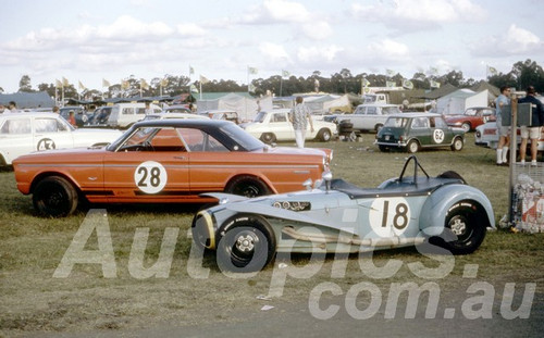 67119 - Peter Wilson, Nota Sportsman & Brian Lawler - Falcon V8 -  Warwick Farm 1967 - Peter Wilson Collection