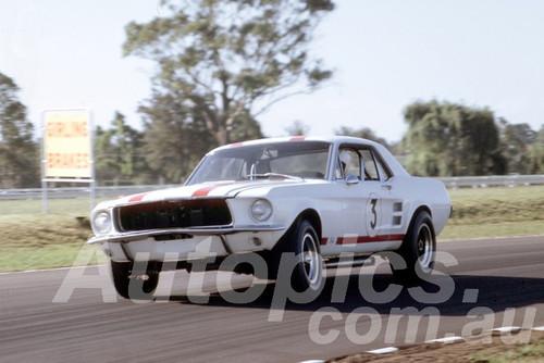 68303 - Niel Allen, Mustang - Warwick Farm 1968 - Peter Wilson Collection