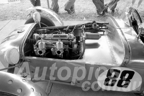 73451 - Graham Howard, Lotus MK6 Coventry Climax - Bathurst 1973 - Photographer Lance J Ruting
