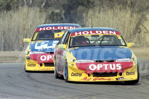 200105 - Trevor Ashby & Steve Reed, Holden Commodore VS - Oran Park 2000 - Photographer Marshall Cass