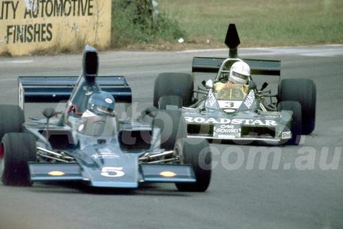 78642 - Don Breidenbach, Lola T332 & Kevin Bartlett, Brabham BT43 - Tasman Series Oran Park 1978