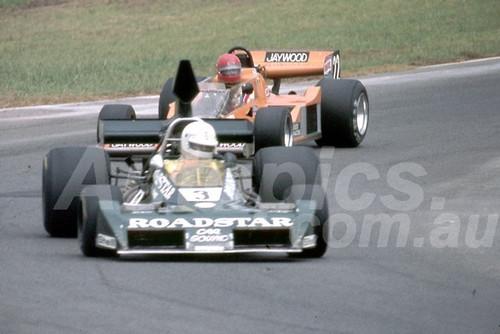 78647 - Kevin Bartlett, Brabham BT43 & Graeme McRae, McRae GM3 -  Tasman Series Oran Park 1981