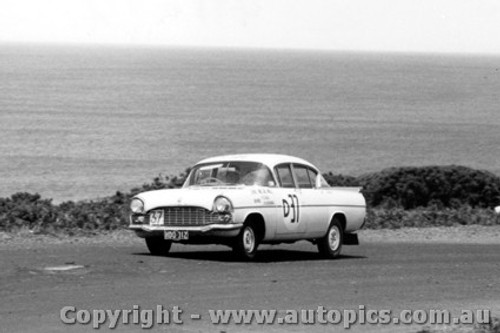 60707 - Coad / Roxburgh Vauxhall Cresta - Winner of the First Armstrong 500 Phillip Island 1960