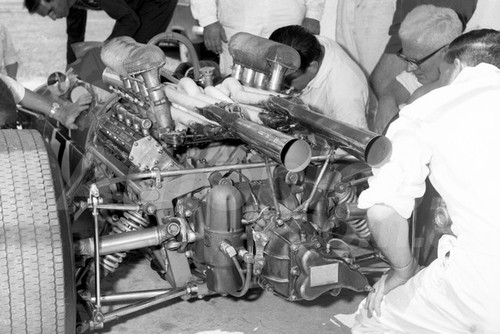 68309 - Phil West, Repco Brabham  - Warwick Farm Tasman Series 1968 - Photographer David Blanch