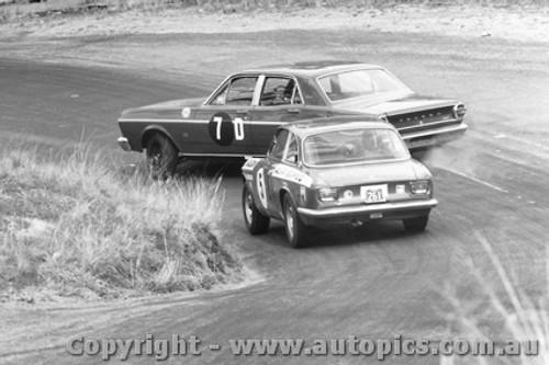 68732  - Jim McKeown / Spencer Martin  Ford Falcon GT Auto  - Gulson / Brown Alfa Rmeo 1750 GTV - Bathurst 1968