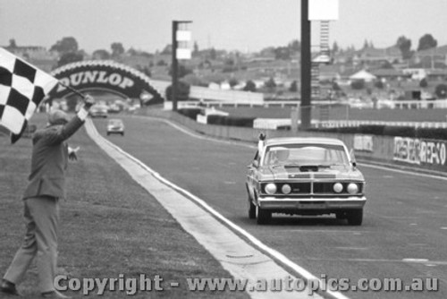 72098 - Allan Moffat - Ford Falcon GTHO Phase 3 - Sandown 1972