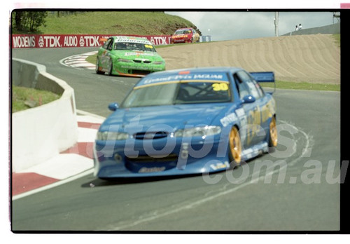 Bathurst FIA 1000 15th November 1999 - Photographer Marshall Cass - Code 99-MC-B99-019