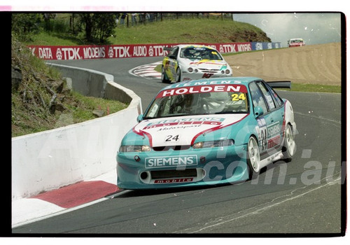 Bathurst FIA 1000 15th November 1999 - Photographer Marshall Cass - Code 99-MC-B99-024