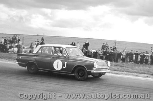 64027 - H. Firth Ford Cortiina GT - Calder 1964