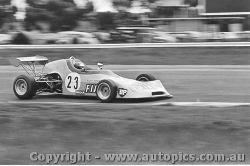 74511 - P. King Birrana 374  - Calder 1974
