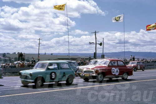 62027 - Frank McEncroe / Dave Humphreys, Morris 850 & Des West / Bill Pitt, Skoda Super Octavia - Bathurst Six Hour 1962 - Jim Bertram Collection