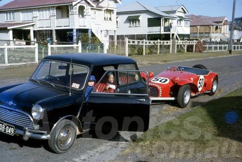 63425 - Bill Gates, Elfin Clubman - Lakeside 1963 - Jim Bertram Collection