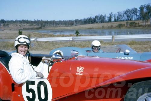 63426 - Bill Gates, Elfin Clubman - Lakeside 1963 - Jim Bertram Collection