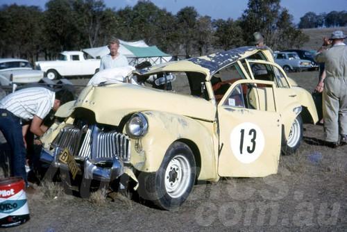 65581 - John Buchelin, Holden FX - Oran Park 1965 - Jim Bertram Collection