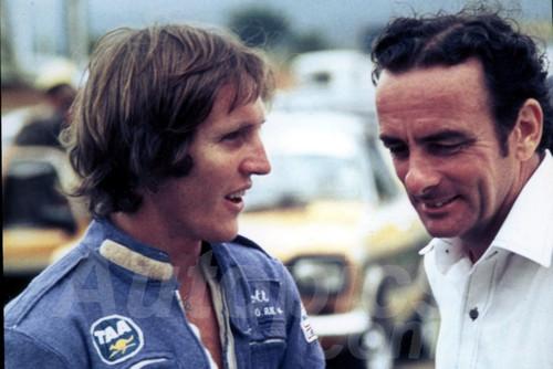 76517 - Gary Scott & Jim Bertram  - Surfers Paradise 1976 - Jim Bertram Collection