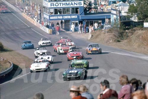76205 - Colin Aplin MG Midget - Leads up Bitupave Hill Ammaroo 1976