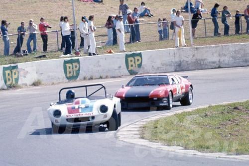 76211 -  Allan Edwards Bolwell Nagari V8 & Rusty French De Tomaso Pantera V8 - Oran Park 1976
