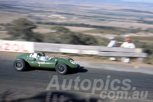 60110 - Alec Mildren, Cooper Maseratti - Bathurst 3rd October 1960 - Photographer Jeff Harrop