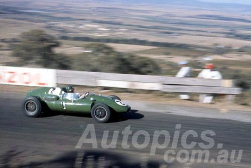 60110 - Alec Mildren, Cooper Maseratti - Bathurst 3rd October 1960 - Photographer Jeff Harrop