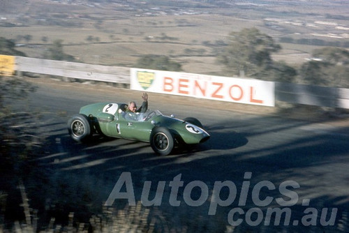 60111 - Alec Mildren, Cooper Maseratti - Bathurst 3rd October 1960 - Photographer Jeff Harrop