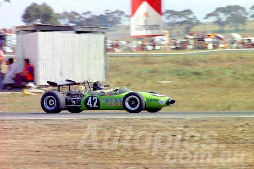 71391 - Peter Roach, Brabham - Calder 1971 - Photographer Peter D'Abbs