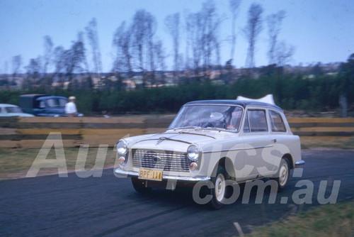 59013 - Brian Foley, Austin A40 Farina - 1959 Silverdale Hill Climb