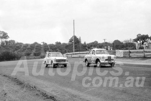 60045 - John Malcolm, Austin Lancer & Brian Foley , Austin A40 Farina-1960 ATCC  Gnoos Blas