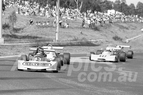 76219 - Peter Larner, Elfin 700-  Sandown 11th April 1976 - Photographer Peter D'Abbs