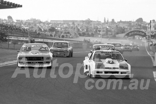76248 - Allan Moffat, Monza & Bob Jane, Monaro GTS 350 - Sandown 11th April 1976 - Photographer Peter D'Abbs