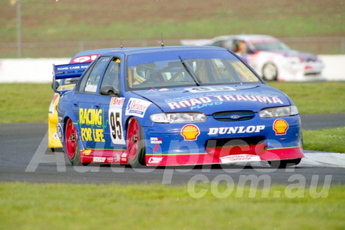 98112 - Steven Johnson, Falcon EL- ATCC Calder 1998- Photographer Marshall Cass