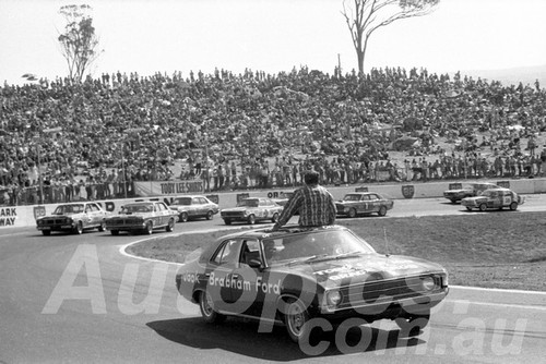 72559 - Toby Lee Series - Falcon XY GTHO & Tornaa XU1 - Oran Park 1972 - Photographer Lance J Ruting