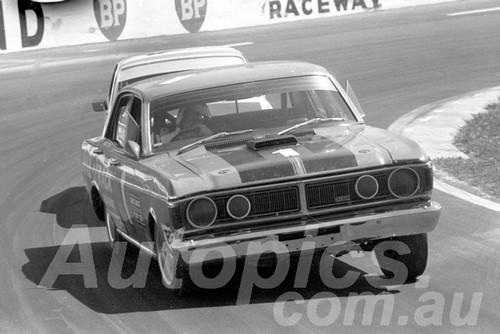72560 - John Goss, Falcon XY GTHO - Oran Park 1972- Photographer Lance J Ruting