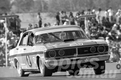 72562 - Allan Moffat, Falcon XY GTHO - Oran Park 1972- Photographer Lance J Ruting