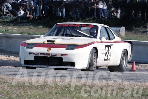 82139 - Colin Bond, Porsche 944 - Wanneroo 1982  - Wanneroo 1982  - Photographer  Tony Burton