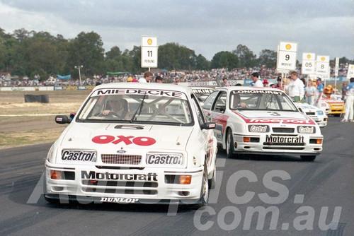 88123 - Andrew Miedecke, Tony Longhurst Sierra RS500 - Wanneroo May 1988 - Photographer Tony Burton
