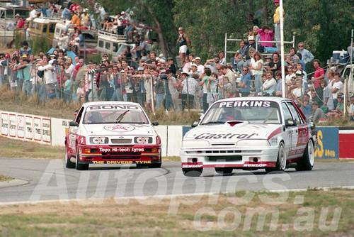 88127 - Larry Perkins, Commodore VL & Colin Bond, Sierra RS500 - Wanneroo May 1988 - Photographer Tony Burton